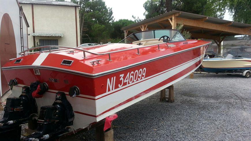 bateau johnny hallyday
