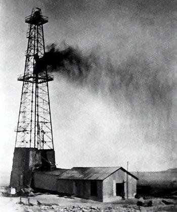 Dammam n° 7, le premier puits de pétrole exploité en Arabie saoudite, le 4 mars 1938