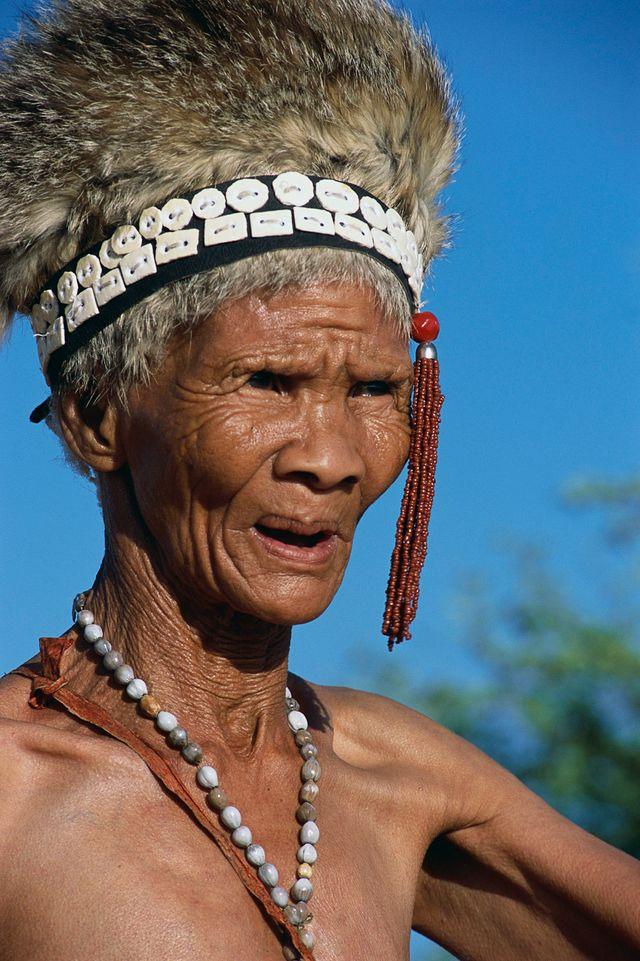 Vieille femme en Afrique du Sud (Kalahari Gemsbok National Park)