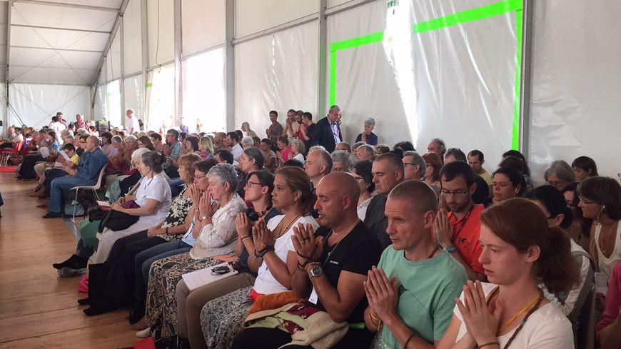 Rassemblement bouddhiste à Saint-Léon-sur-Vézère