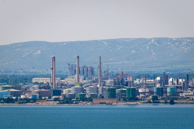 Le complexe pétrochimique LyondellBasell de Berre
