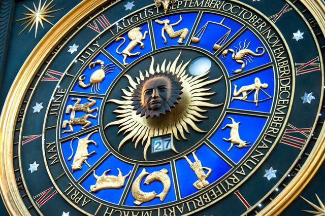 Cadran Astronomique avec le visage de Winston Churchill