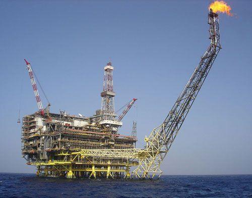Plateforme de production de pétrole sur la côte libyenne.
