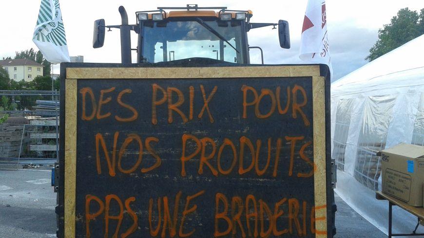 Barrage des agriculteurs en Alsace sur le pont de l'Europe