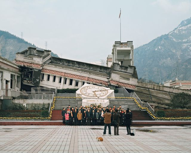 Ambroise Tezenas Visite des ruines du tremblement de terre du Wenchuan
