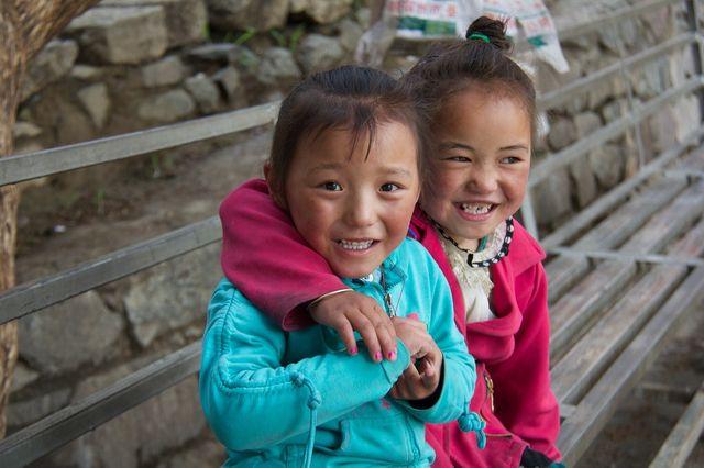2 enfants au Népal