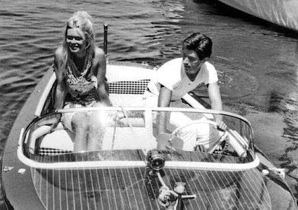 Brigitte Bardot et Sami Frey en 1963 à St Tropez