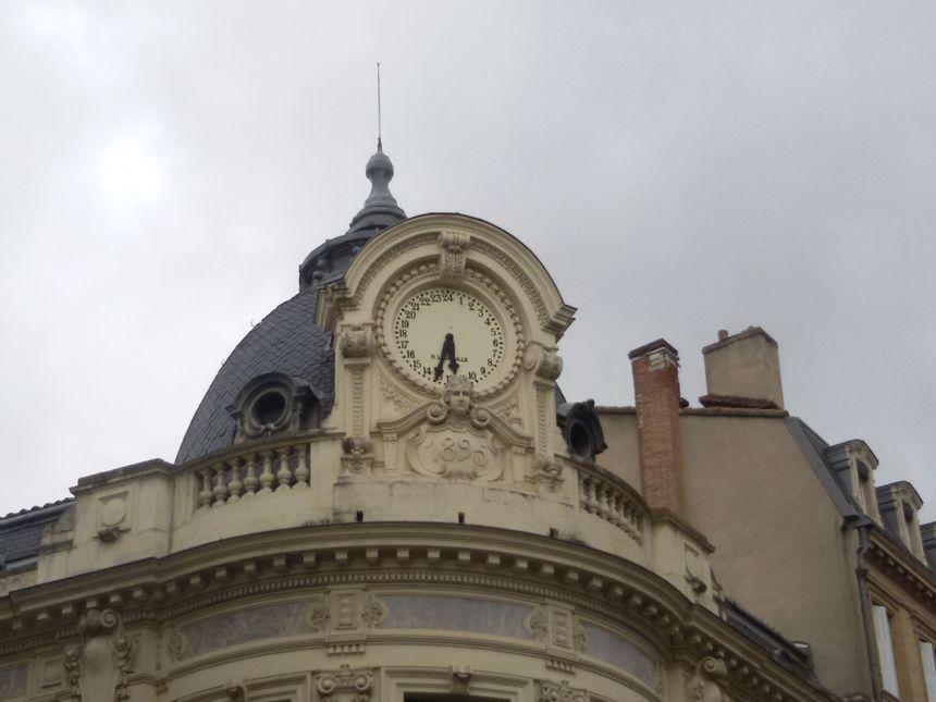 Toulouse au détail - l'horloge