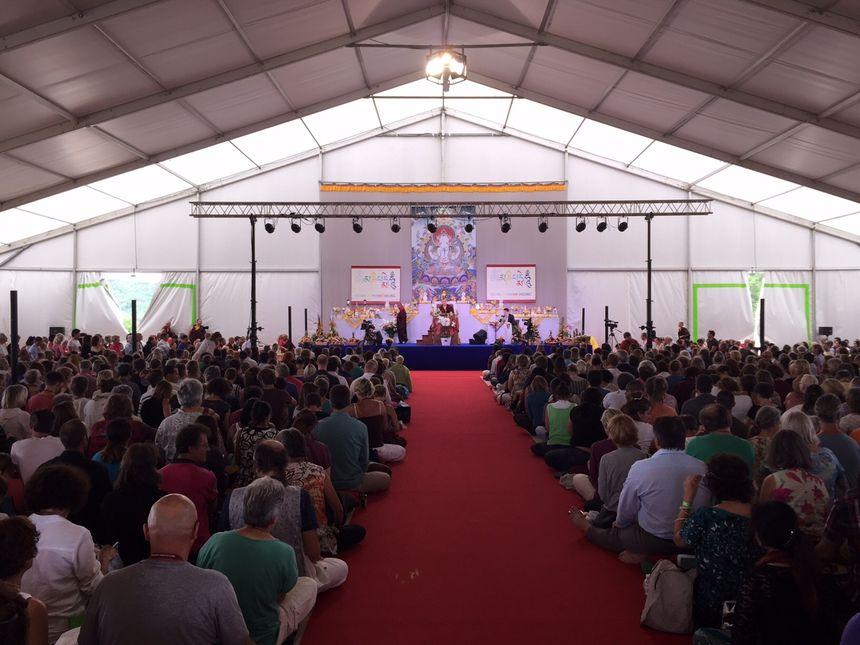 Rassemblement bouddhiste à Saint-Léon-sur-Vézère.