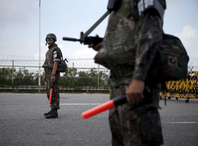 Des soldats sud-coréens à Panmunjom