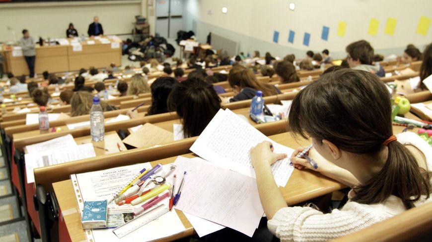 """La vie des étudiants """"se précarise"""" dénonce l'UNEF"""