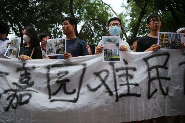 Des résidents de Tianjin dont les logements ont été détruits dans les explosions