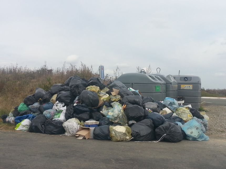 1.700 tonnes de déchets se retrouvent dans la nature (ici à Château-du-Loir en septembre 2014)