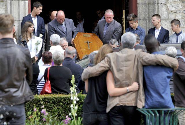 Obsèques après l'accident de Rohan