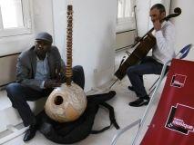 Ballake Sissoko et Vincent Segal s'accordent à l'Hôtel d'Albret