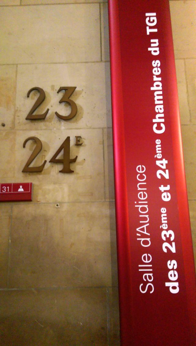 Entrée de la 23e chambre de Paris
