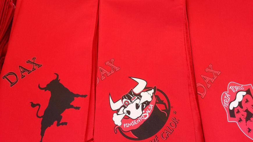 L art du foulard à la Feria de Dax e74ca8acc5d