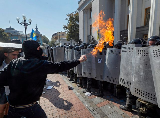 Au moins 90 membres des forces de l'ordre ont été blessés lors de ces heurts avec des manifestants nationalistes