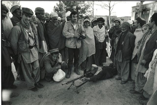 Alain Mingam avec les moudjahidines afghans. Guerre sovieto-afghane Juillet 1980