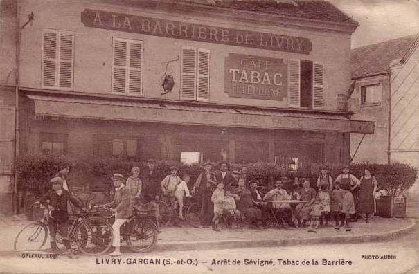 "Bar-tabac-téléphone ""A la barrière de Livry"" à Livry-Gargan - vers 1900"