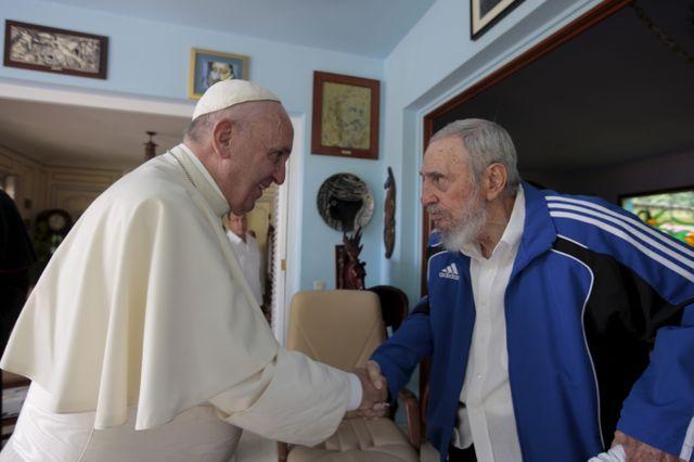 Le pape François et Fidel Castro