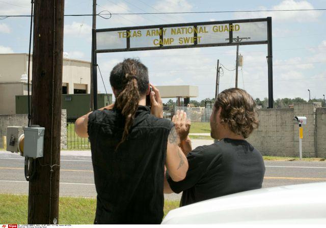 """Le camp d'entraînement militaire de Swift au Texas surveillés par des """"citoyens vigilants"""""""