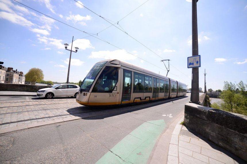 A proximité du tram, il faut être prudent et vigilant.