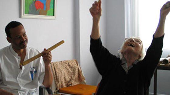 Musique et santé : la musicothérapie au service des patients atteints de la maladie d'Alzheimer