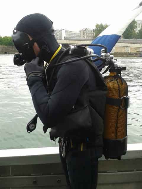 Plongeur de la brigade fluvial