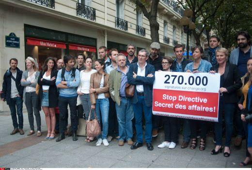 Manifestation de journalistes contre la directive européenne sur le secret des affaires, 15 juin 2006