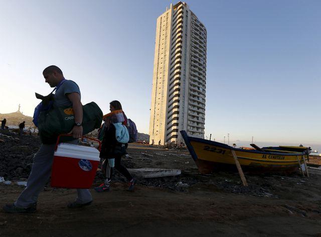 Le séisme a fait déferler des milliers de Chiliens inquiets dans les rues de Santiago