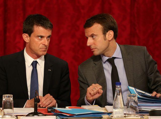 Manuel Valls et Emmanuel Macron au palais de l'Elysée en juin 2015