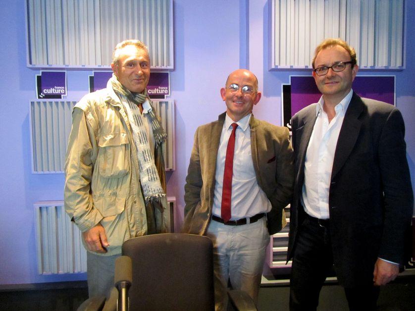 De gauche à droite : Arnaud Parienty, Albéric de Serrant et Peter Gumbel