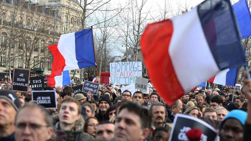 Les pancartes des manifestations font partie des documents collectés