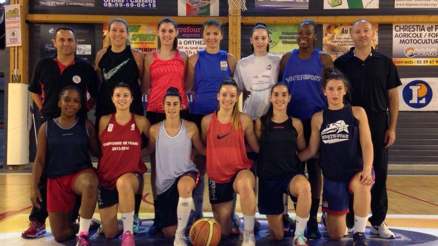 Les filles de l'US Orthez saison 15-16 entraînées par Franck Ginestet.