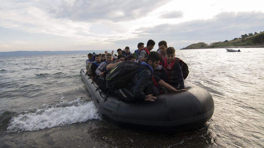 Des réfugiés tentant de rejoindre l'Union Européenne.