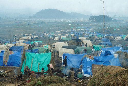 Camp de réfugiés rwandais au Zaïre
