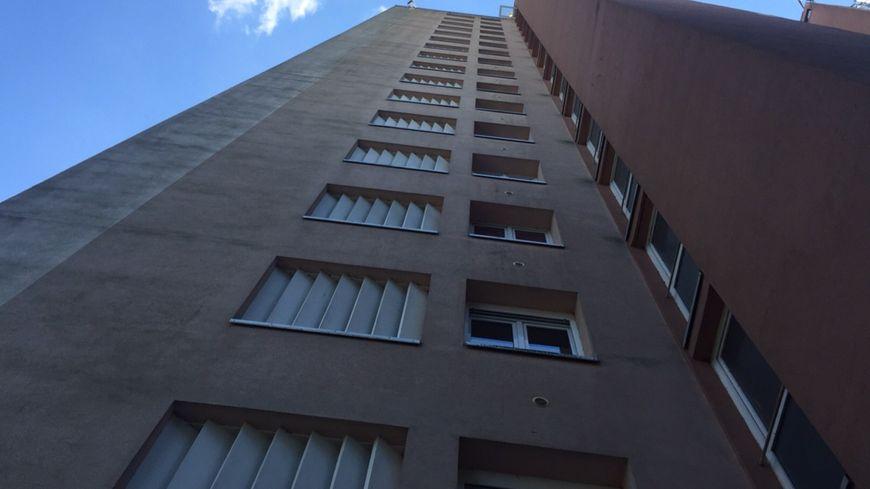 A tour Saint-Pierre, à Yutz, privée d'ascenseur depuis mi-août.