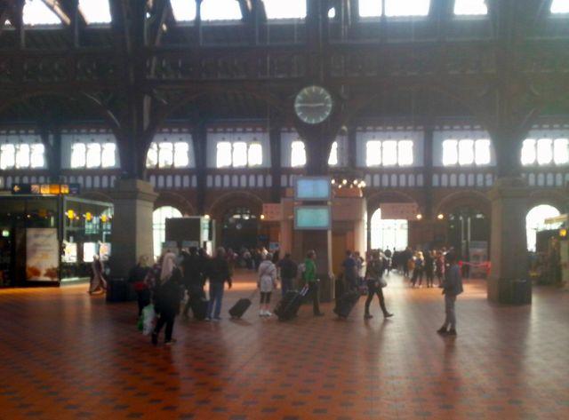 La gare de Copenhague sans migrants après la suspension des liaisons ferroviaires entre l'Allemagne et le Danemark