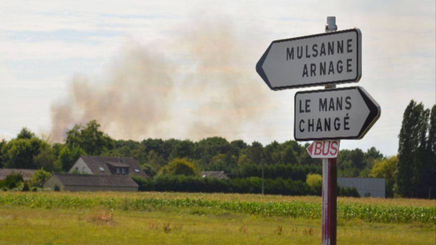 L'un des incendies de l'été dernier, vu de Ruaudin.