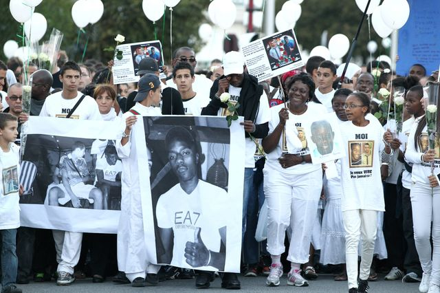 Marche blanche à Echirolles après la mort de Kevin et Sofiane