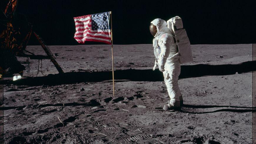 L'une des photos de la mission Apollo 11 sur la Lune