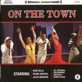 8 Com. mus. On the town CD6808.jpg