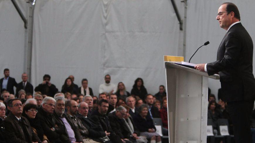 François Hollande a rendu hommage aux 43 victimes de Puisseguin.