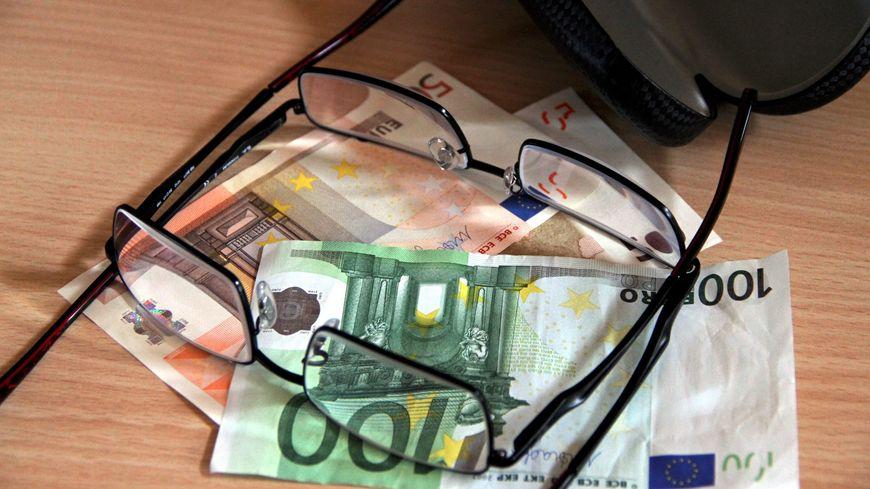 Sans mutuelle, changer de lunettes peut coûter très cher.