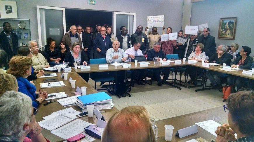 Début de conseil municipal mouvementé à St-Martin-le-Beau
