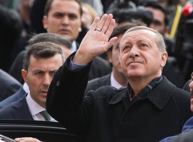 Contre tous les pronostics, l'AKP récupèrerait plus de 300 des 550 sièges de députés du Parlement