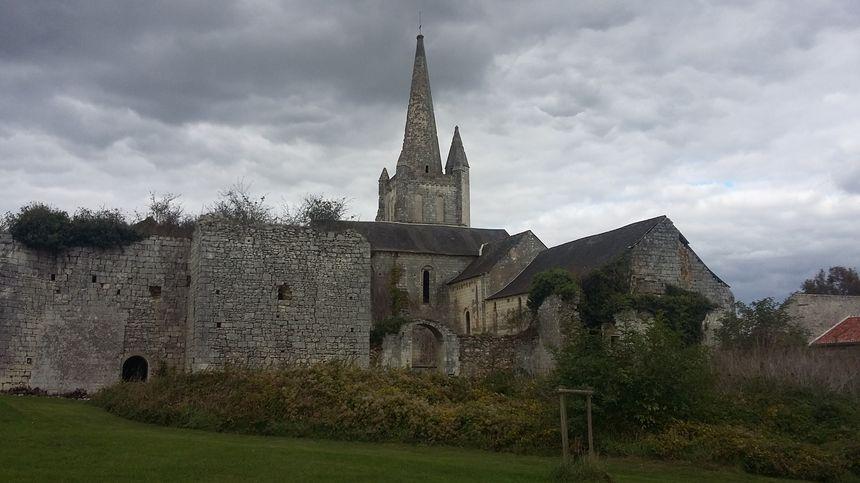 l'Abbaye royale Saint Michel de Bois Aubry à Luzé.