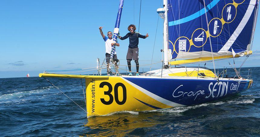 Les skippers Manuel Cousin et Gérald Quéouron