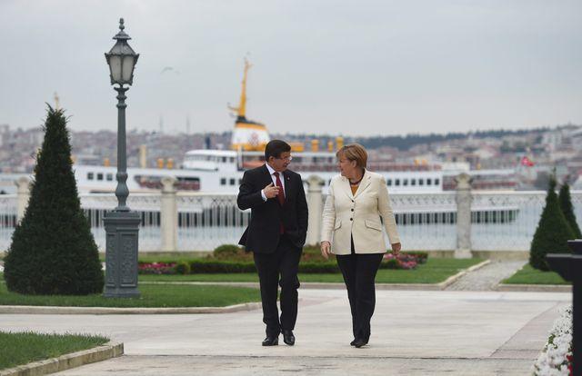 Angela Merkel et le Premier Ministre turc Ahmet Davutoglu